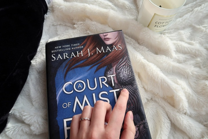 Sarah J Maas: A Court of Mist and Fury