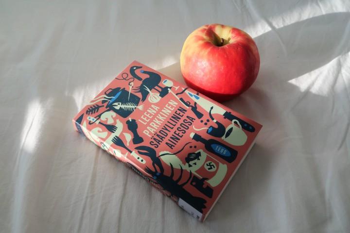 Pelko persiissä kohti toistemme suosikkeja – Lempikirjahaasteen kokemuksia