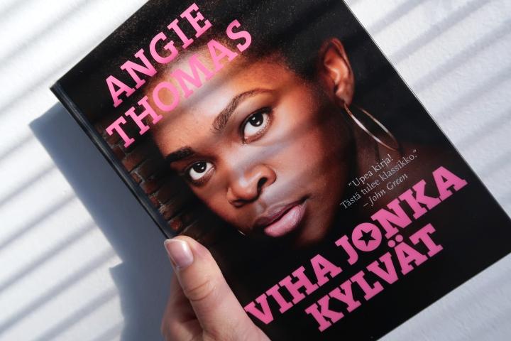 Angie Thomas: Viha jonkakylvät