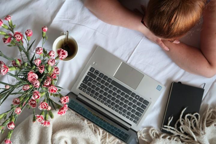 Kun bloggaamisesta tuli stressaavaa (ja peukalot rupesireistaamaan)