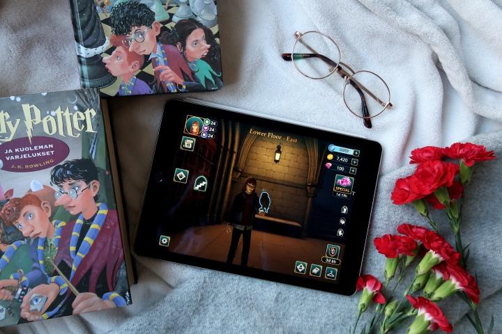 VIDEO: Koukuttava mobiilipeli kaikille Harry Potterinystäville