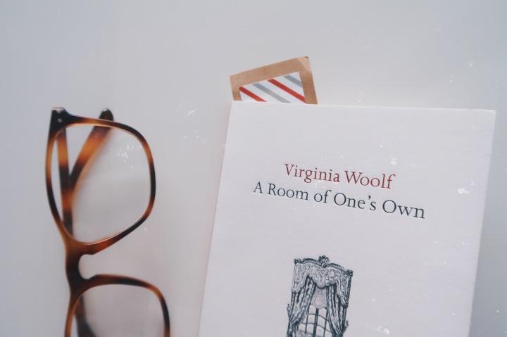 Viisisataa puntaa ja oma huone – Virginia Woolf: A Room of One'sOwn