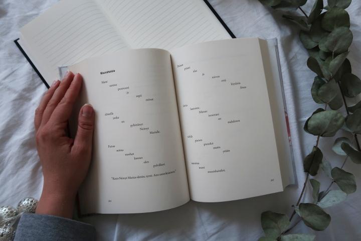 Runoilija X (7)