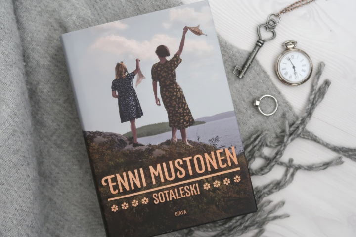 Enni Mustonen: Sotaleski