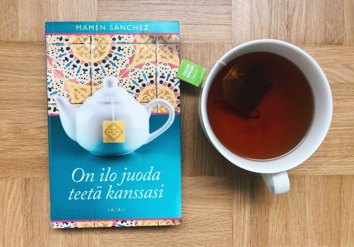 Kahden tähden kirjallinen seikkailu – Mamen Sánchez: On ilo juoda teetäkanssasi