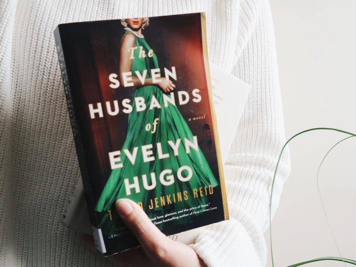 Sydäntä särkevä tarina vanhassa Hollywoodissa – Taylor Jenkins Reid: The Seven Husbands of EvelynHugo