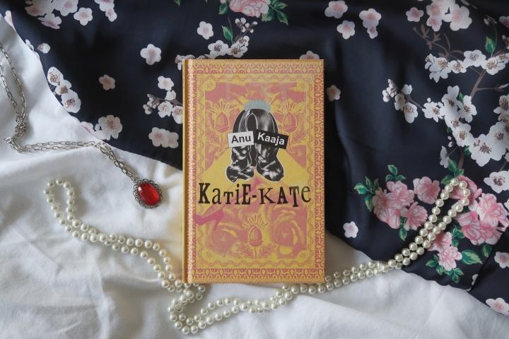Kirja, jota hävettää lukea junassa – Anu Kaaja:Katie-Kate