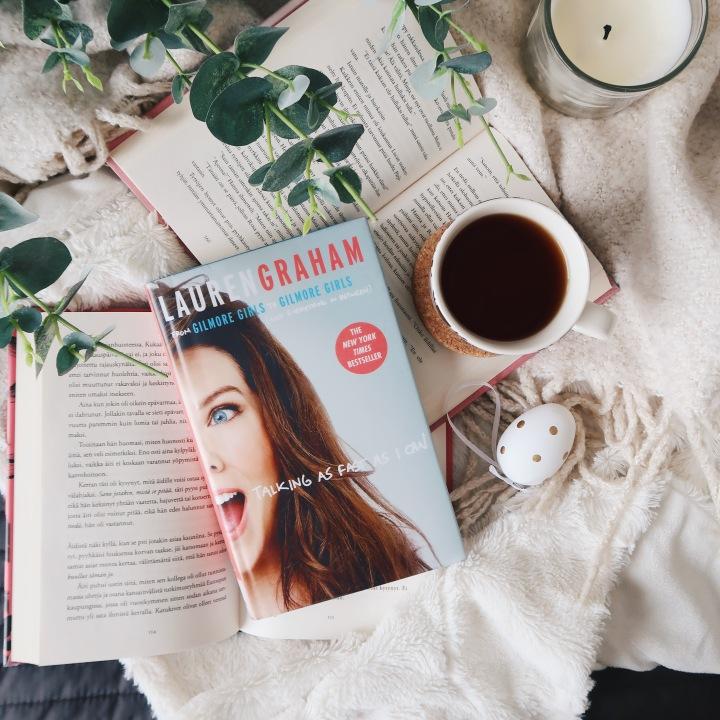 Hersyvä muistelmateos, joka toimisi paremmin äänikirjana – Lauren Graham: Talking as fast as Ican