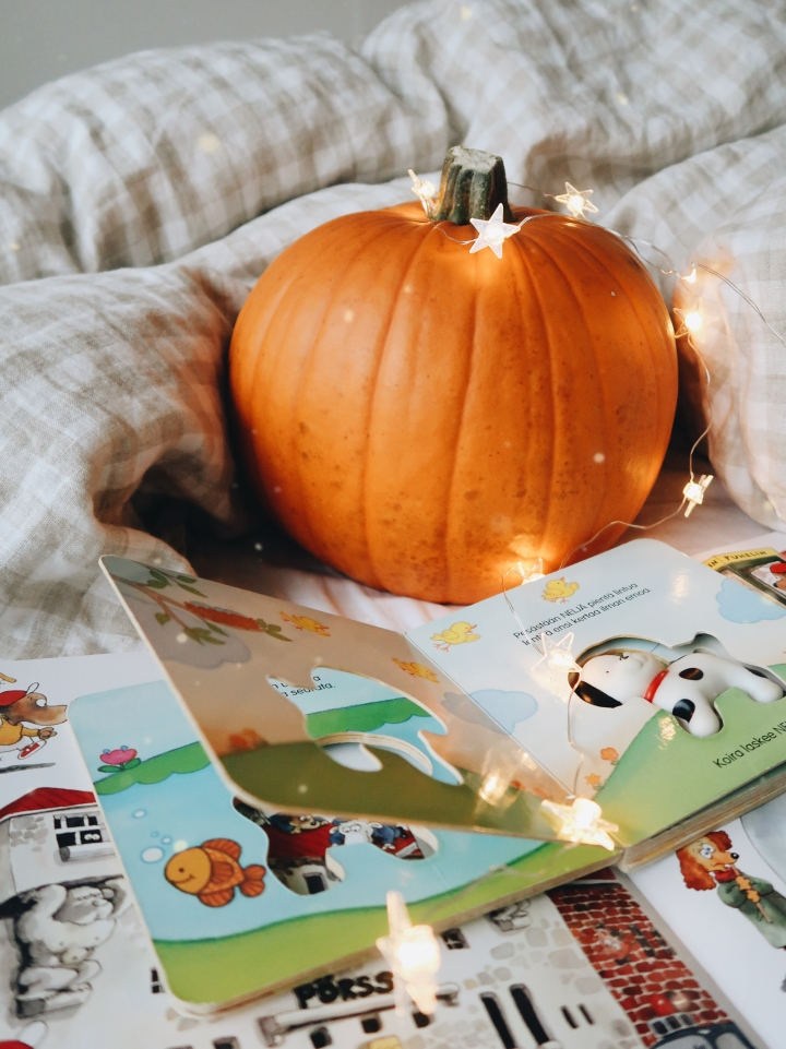 Kun lastenkirjat laajenevat nettiin, saa lukukokemus aivan uusia ulottuvuuksia: Kirjoja ei välttämättä voi lukea enääistuen!