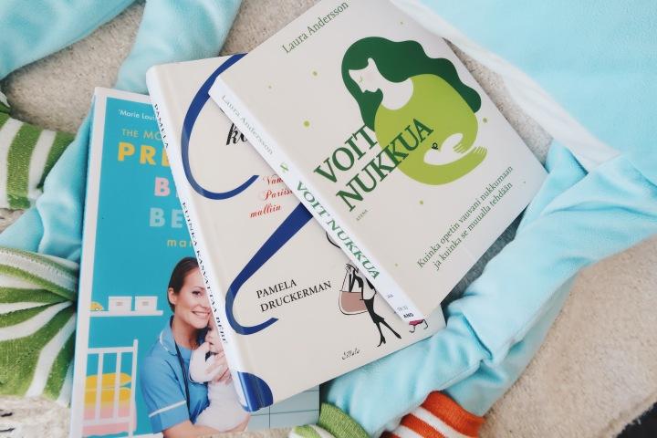Tulevan äidin lukulista: 7 kirjaa raskaudesta, synnytyksestä, äitiydestä javauvavuodesta